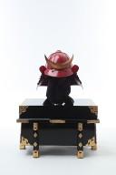 【鎧兜甲冑等身大】黒糸威し 赤桶側 二枚胴具足(時代付け赤黒仕上げ)兜のみ